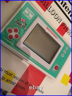 BALLOON FIGHT Nintendo Game and Watch SEALED! On card never opened