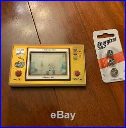 - Nintendo Game and Watch Tropical Fish Tested and Working TF-104 1985
